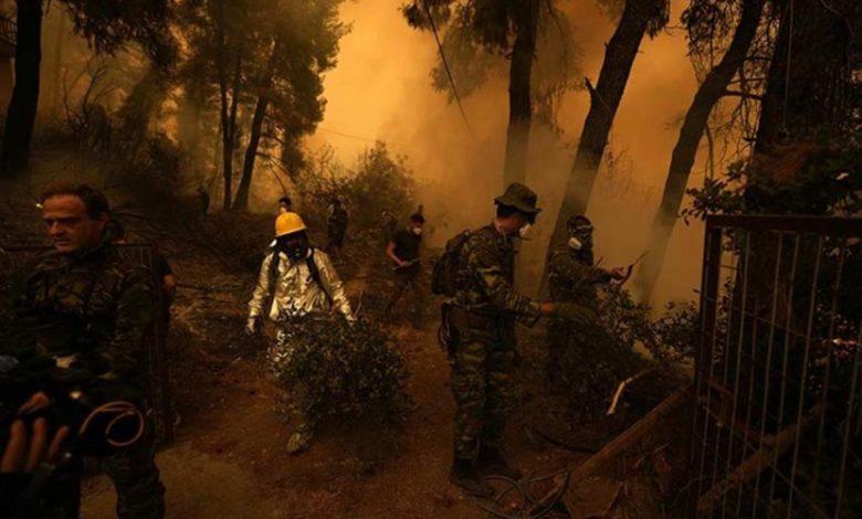 Photo of Požari i dalje haraju ostrvom Evija, stigli i srpski vatrogasci