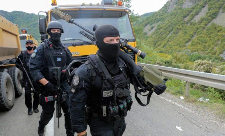Photo of Specijalci Rosu pokušali da izvuku Srbina iz auta, reagovao i KFOR